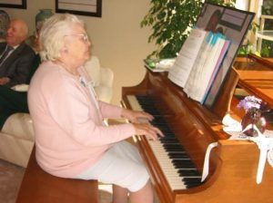 UCUCC gratefully receives the Turner Family piano